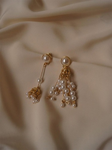 Prism Earrings in Cream